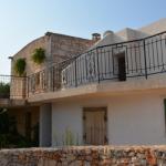maison en pierre avec des oliviers à vendre à Ostuni