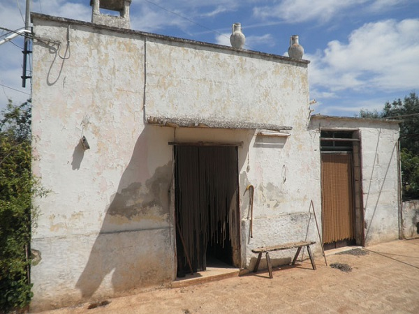 Rustic stone with sea view for sale in Ostuni